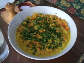 Shrimp curry with cilantro